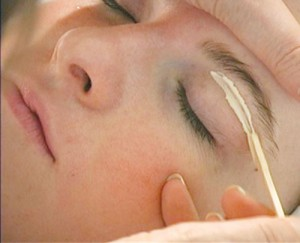 eyebrow-waxing-300x243